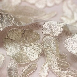 Plain ecru lace embroidered on tulle - 01