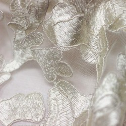 Plain ecru lace embroidered on tulle - 03